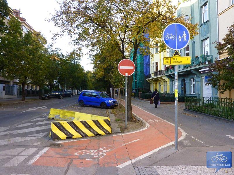 A165 v Ovenecké ulici směrem ke Stromovce